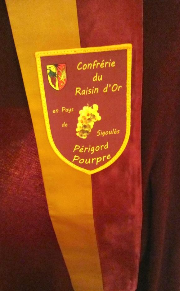 The Confrérie du Raisin d'Or de Sigoulès regalia sash
