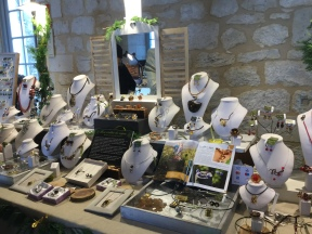 Caprice de Vigne jewelry stand at the Marché de Noël, Saussignac